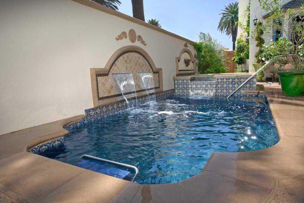 8 - Alderete Pools, Inc.